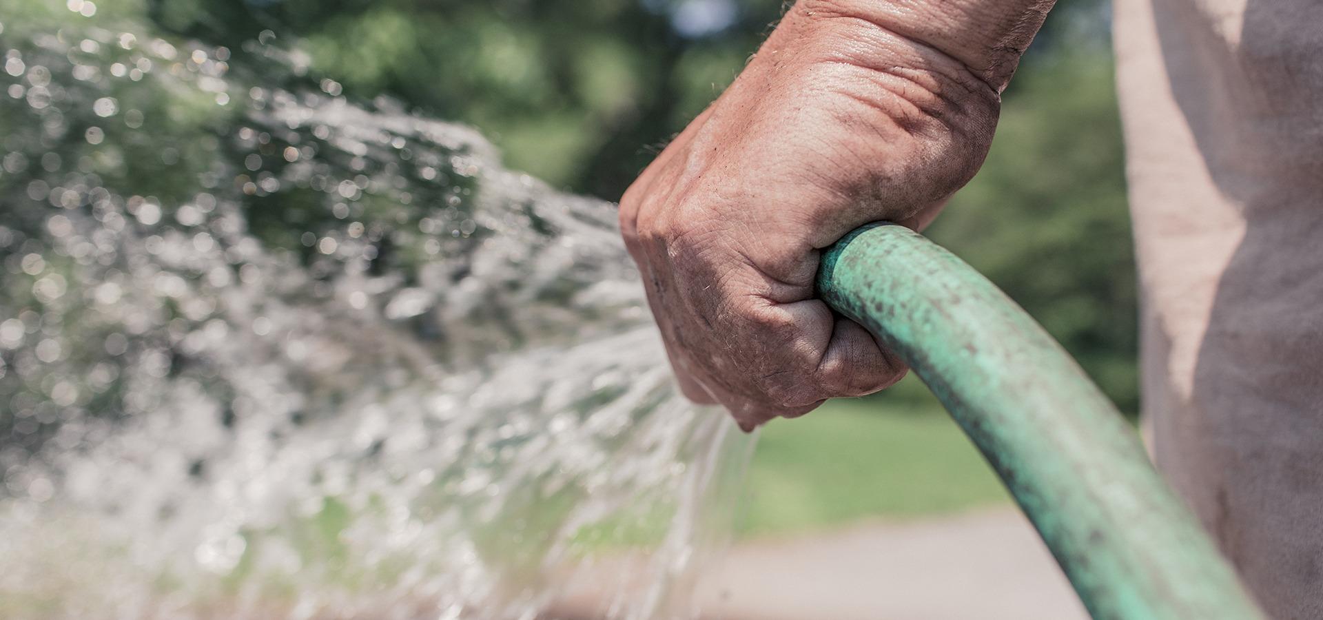 Hjælp til havearbejde tilbydes